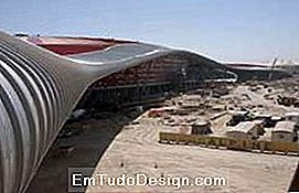 Ferrari World - Vista lateral da capa (imagesource: benoy.com)