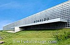 Showroom novo Bonaldo com blocos de vidro Seves Glassblock