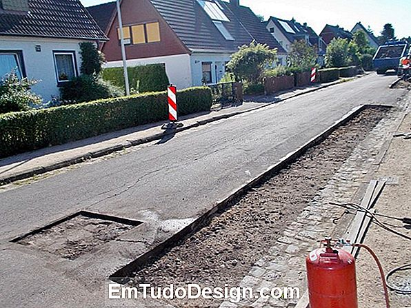Reparaturen am Asphalt