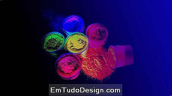 Color fluorescente
