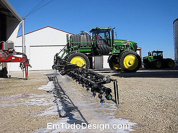Antifreeze spray for planter