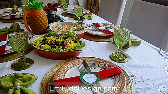 Decore a mesa para as férias de Natal